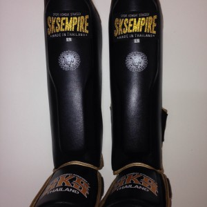 SKS shinguards « RNW018 »